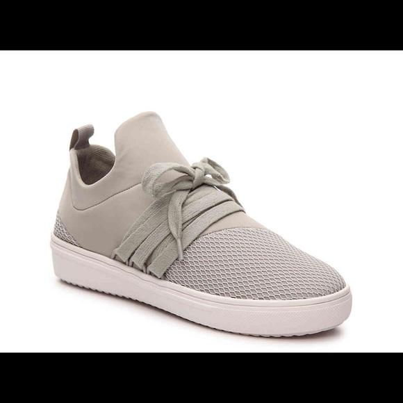 d8779ba5b22 Steve Madden- Grey Lancer Sneaker size 11